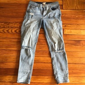 H&M Distressed Jeans Size 8